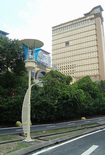 3055951-slide-s-1-these-malaysian-streetlights-kill