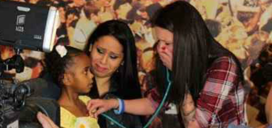 Mãe que doou o coração do filho se emociona ao conhecer menina salva por ele 1
