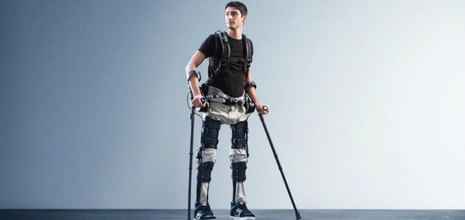 Adultos com paralisia podem voltar a andar com esse dispositivo 1