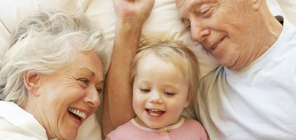 Avós que passam mais tempo junto dos netos reduzem o risco de Alzheimer 1