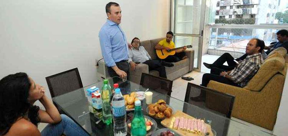 """Deputado rejeita auxílio-moradia e divide """"república"""" com funcionários 1"""