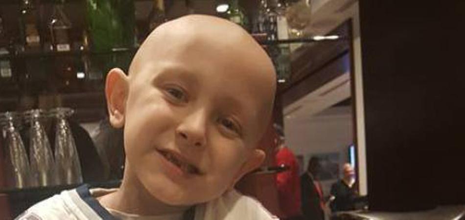 Chineses se unem para realizar sonho de menino com câncer 5