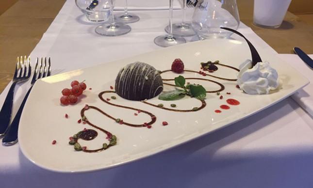 restaurante_estrelada_atras_das_grades