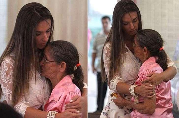 Nicole Bahls compra passagem pra senhora que havia perdido voo no Rio 4