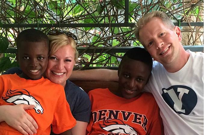 Emoção: pais conhecem filhos adotivos do Congo após 4 anos de espera 5