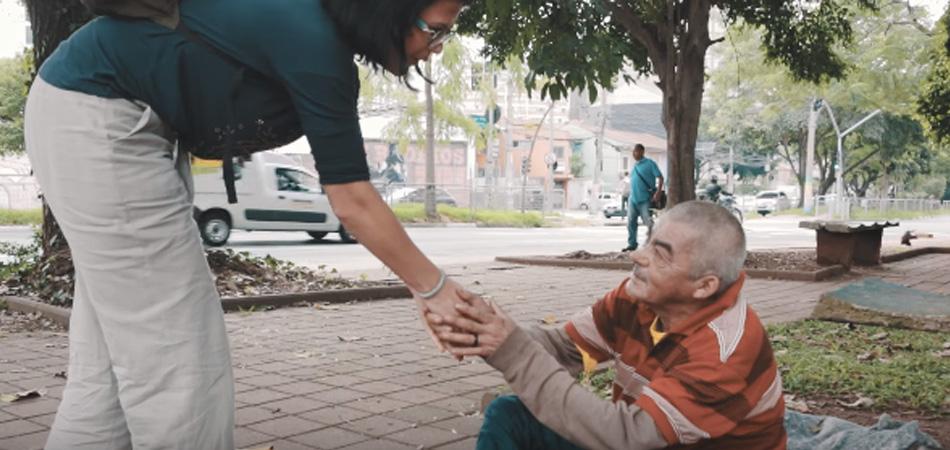 Psicóloga que atende moradores de rua realiza sonho de ter seu próprio apartamento 1