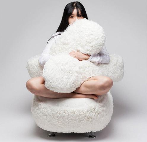 free-hug-sofa-lee-eun-kyoung-1-496x479
