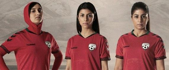 Jogadoras da seleção feminina de futebol do Afeganistão ganham hijab especial para a prática do esporte 1
