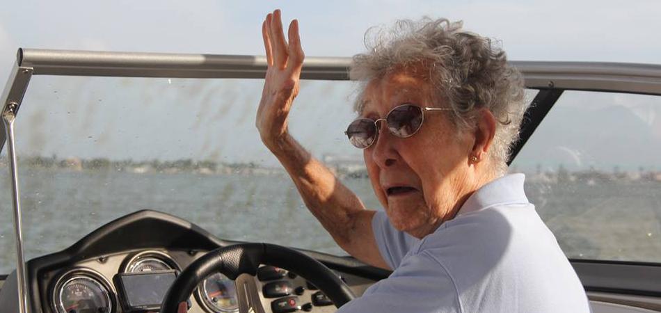 """""""Eu tenho 90 anos. Vou cair na estrada"""", diz velhinha diagnosticada com câncer 2"""