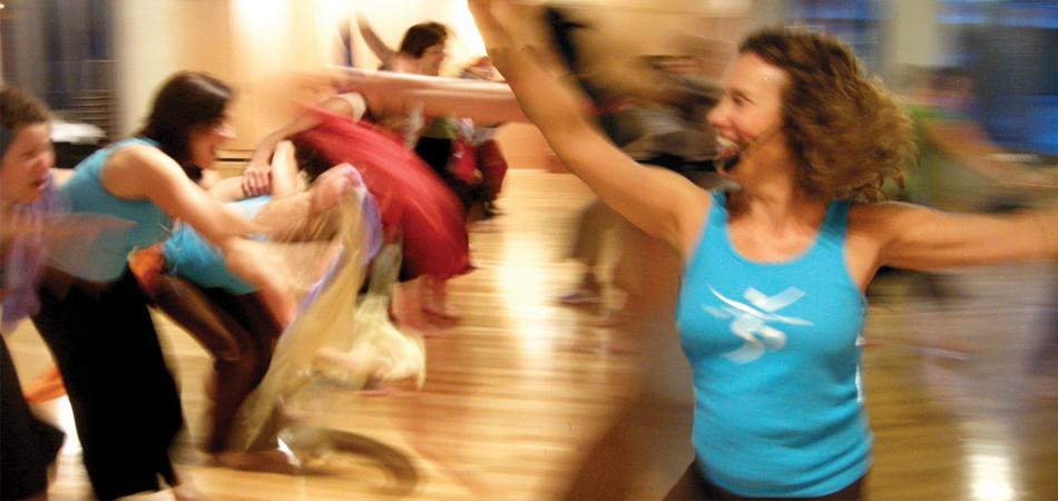 DANÇA CONTIGO – Um bate-papo com Fernanda Cunha, precursora do Yoga Dance no Brasil 1