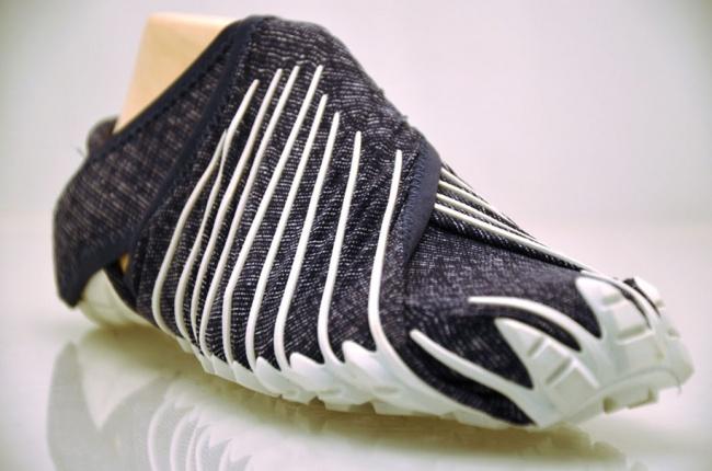 199455-650-1460455983-japanese-inspired-wrap-around-shoes-furoshiki-vibram-3