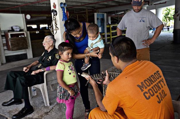 detentos cuidam de animais abandonados e ambos ganham uma nova chance18