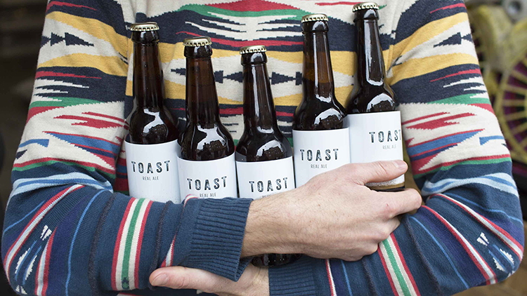 The-UKs-first-bread-to-beer-project-uses-fresh-surplus-bread.-Pic-Toast-Ale