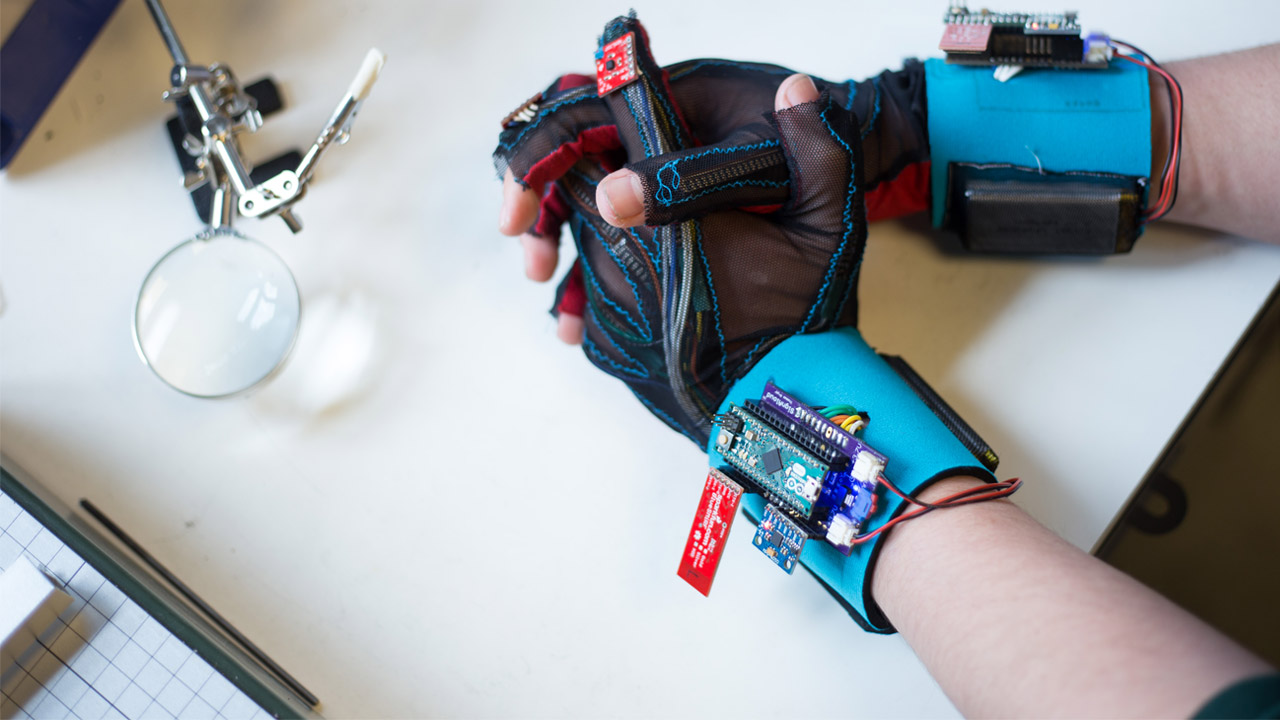 3059616-inline-p-these-students-built-a-glove-that-translates-sign-language-into-english