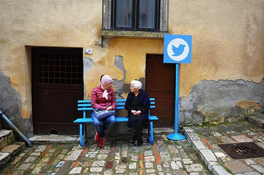 """Intervenção urbana transforma vilarejo de idosos na Itália na internet da """"vida real"""" 4"""