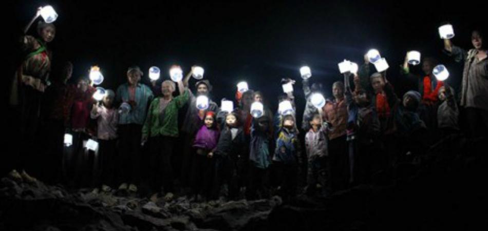 Lanterna inflável com energia solar é solução para regiões vulneráveis sem eletricidade 1