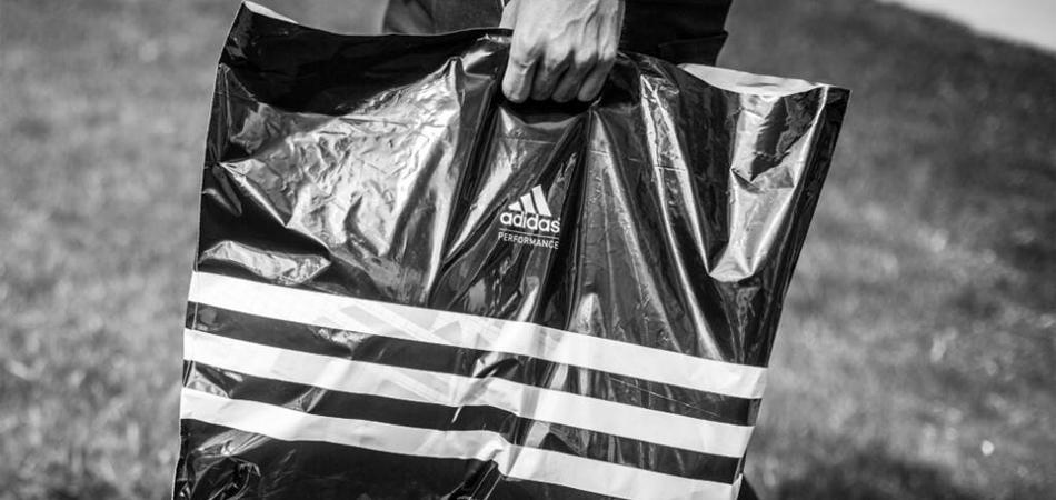 adidas acaba com as sacolas plásticas de suas lojas em todo o mundo 1