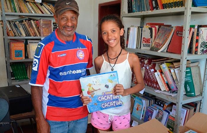 Menina de 12 anos funda biblioteca popular em povoado no interior da Bahia 3