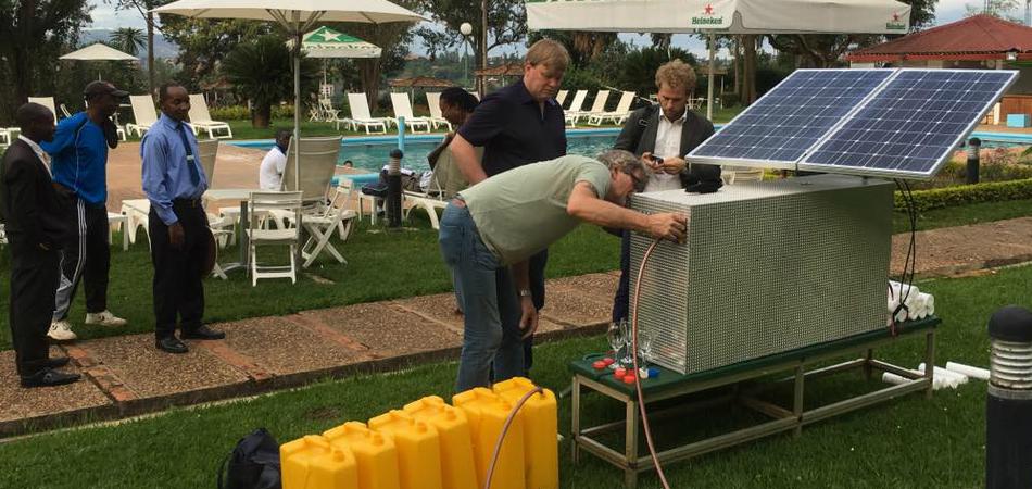 Esta máquina solar é capaz de purificar 600 litros de água por hora 1