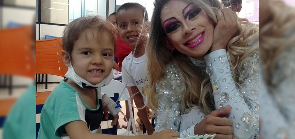 Jovem se monta de drag e leva alegria para crianças com câncer no Piauí 2