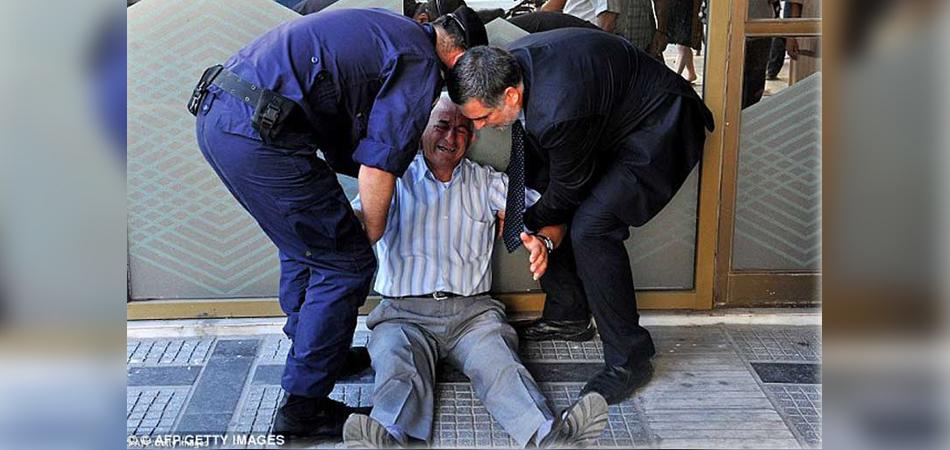idoso foi visto chorando por não receber pensão
