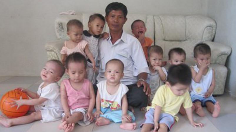 Homem já adotou mais de 100 crianças que seriam abortadas 1