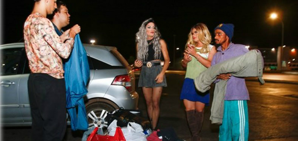 Montadas para o Bem: grupo de drag queens doa mais de mil peças para moradores de rua 1