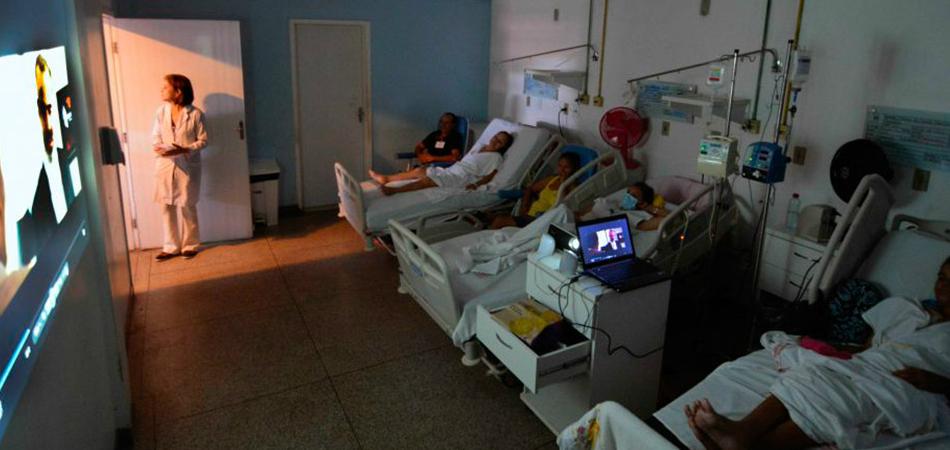 Hospital faz sessões semanais de cinema para ajudar pacientes com câncer 1