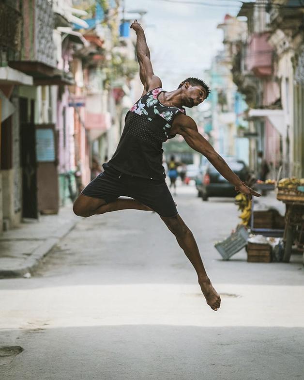 ballet-dancers-cuba-omar-robles-4-5714f5d93e223__700