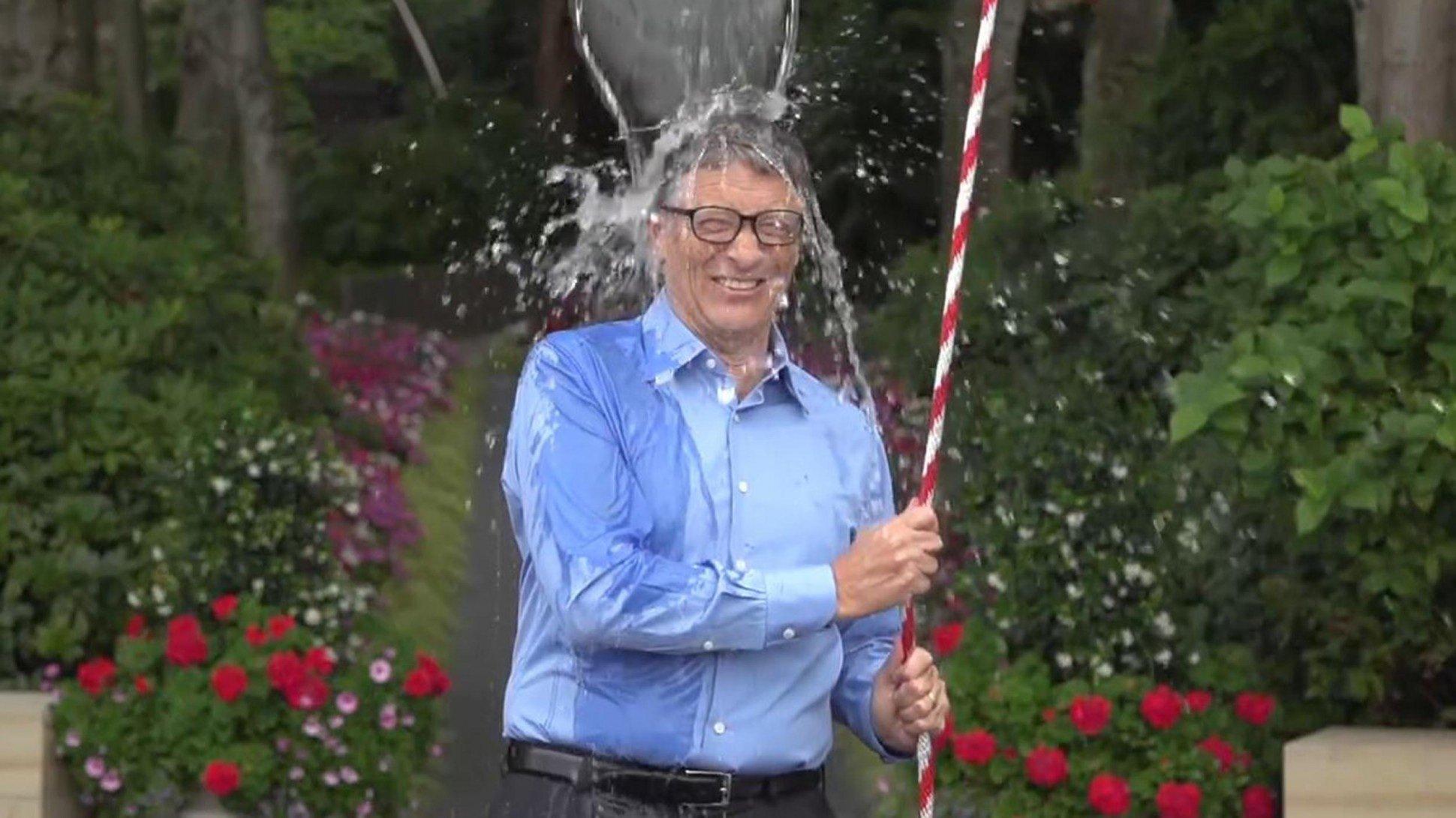 Bill Gates, fundador da Microsoft, também participou do desafio