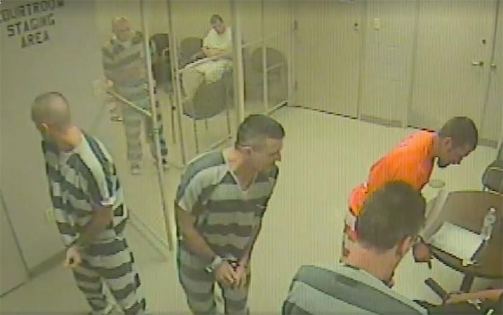 Presos quebram fechadura de cela para salvar vida de carcereiro [VÍDEO] 1