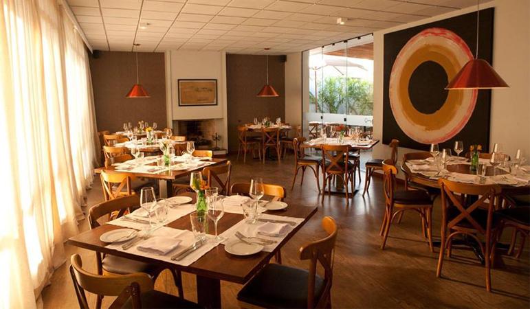 Restaurante vai oferecer parte da renda de jantar para a construção de casas para 50 famílias 6