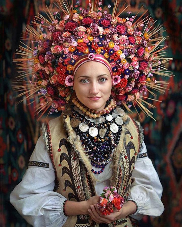 UkrainianHeaddress1
