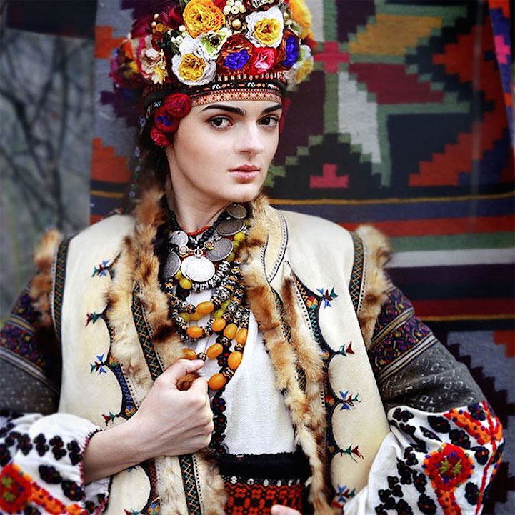 UkrainianHeaddress11