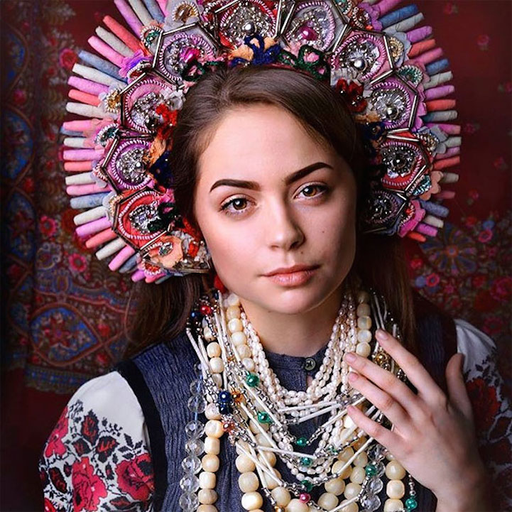 UkrainianHeaddress12