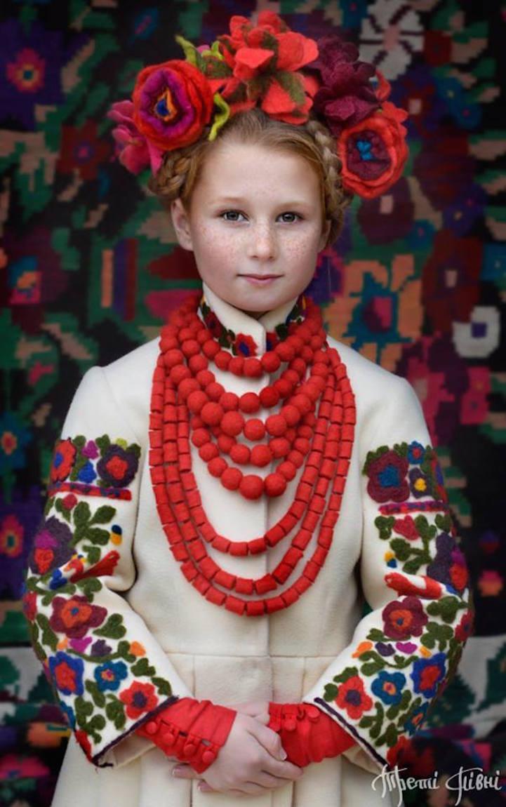 UkrainianHeaddress23