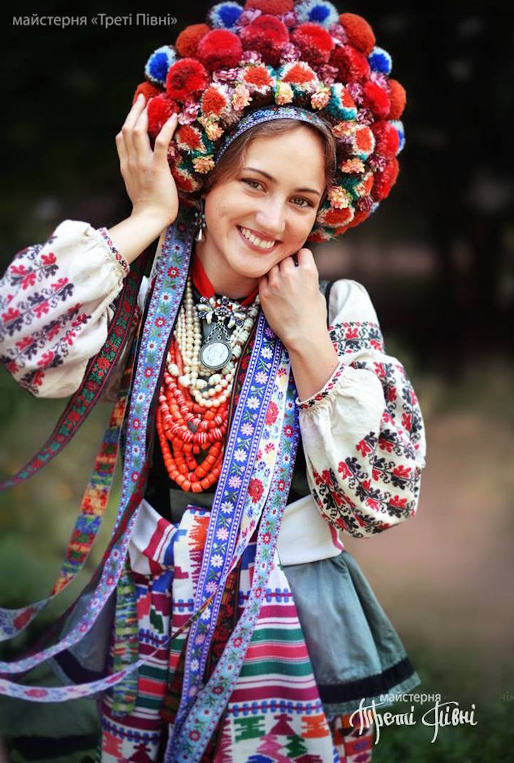 UkrainianHeaddress25