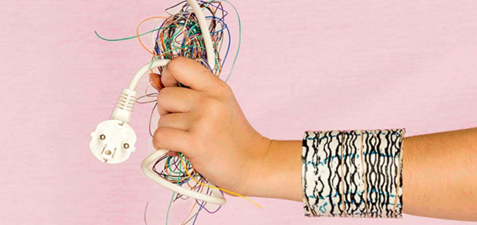 Marca de bijouteria utiliza cabos descartados 1