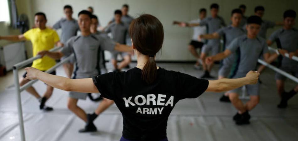 Soldados coreanos fazem ballet para diminuir o estresse 1