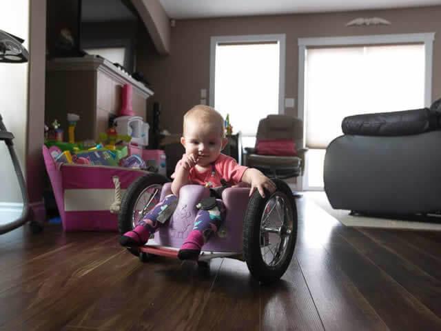 awebic-bebe-cadeira-de-rodas-caseira3