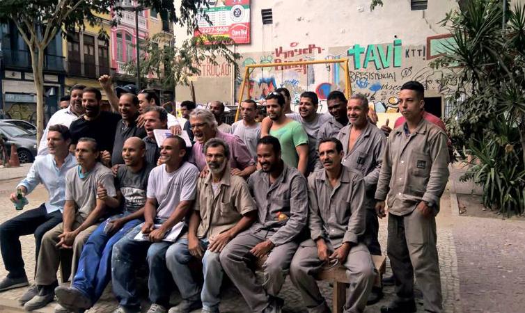 Chefs internacionais vão cozinhar para os sem-teto do Rio com sobras de comida da Vila Olímpica 2