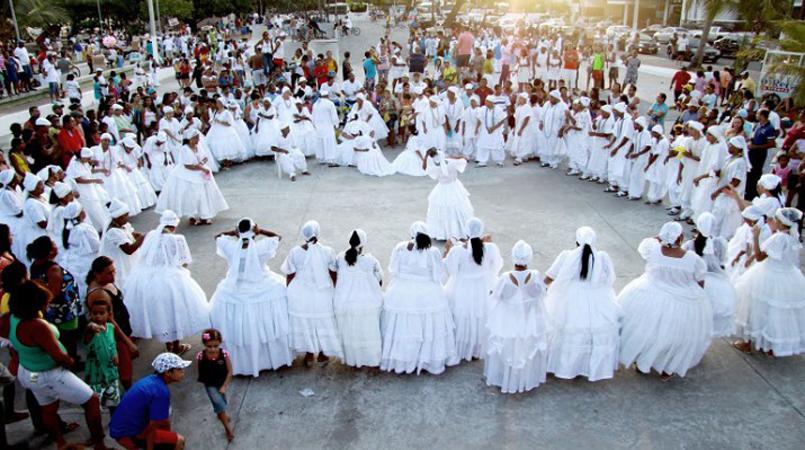 Religiões afrobrasileiras passam a ter mesmos direitos de igrejas em Salvador 1