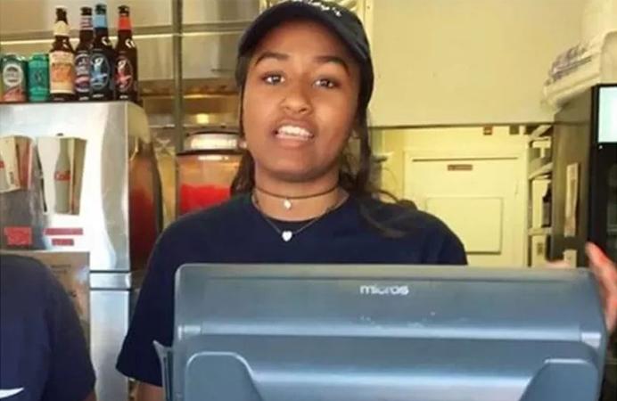 Filha caçula de Obama 'rala' trabalhando como caixa de lanchonete nas férias escolares 3