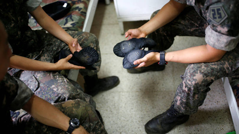 size_810_16_9_soldados-da-coreia-do-sul-praticam-bale-4