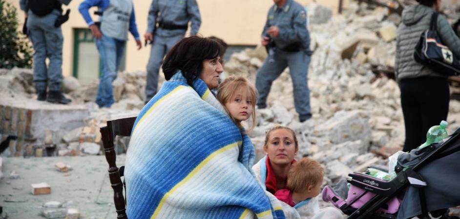 Refugiados colocam-se à disposição para auxiliar vítimas de terremoto na Itália 1