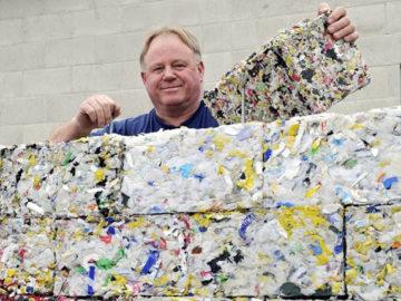 Tijolo ecológico feito de plástico retirado do oceano encaixa como blocos de Lego 3