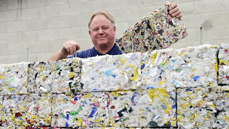 Tijolo ecológico feito de plástico retirado do oceano encaixa como blocos de Lego 2