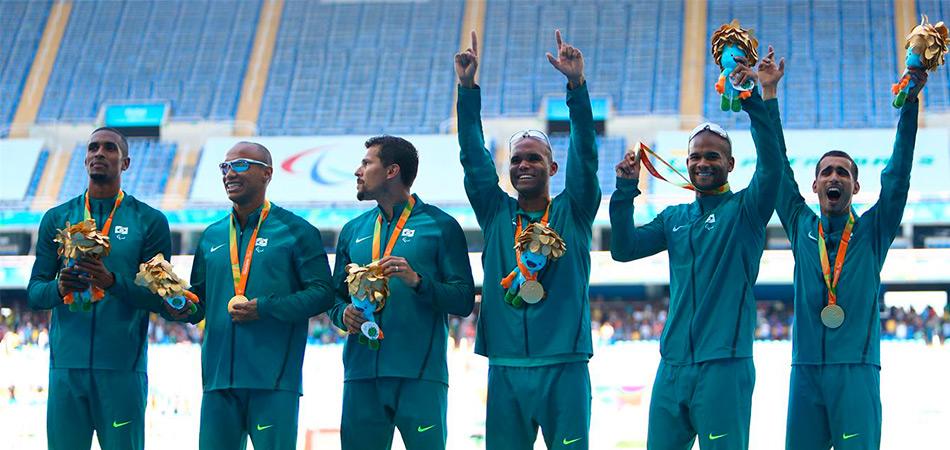 """Os """"BackFavela Boys"""" são os meninos de ouro no atletismo das Paralimpíadas 1"""