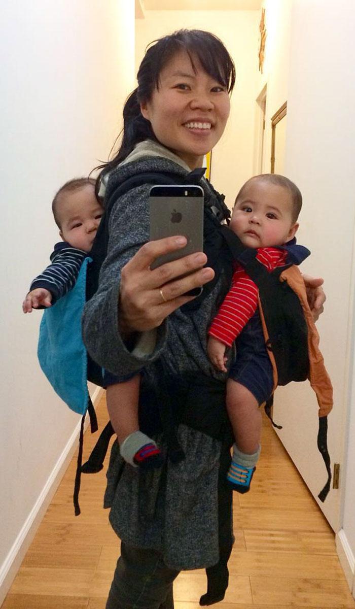 madre-trabajando-amamantando-gemelos-hein-koh-3