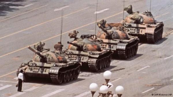 prostesto_homem_dos_tanques_china_pequim